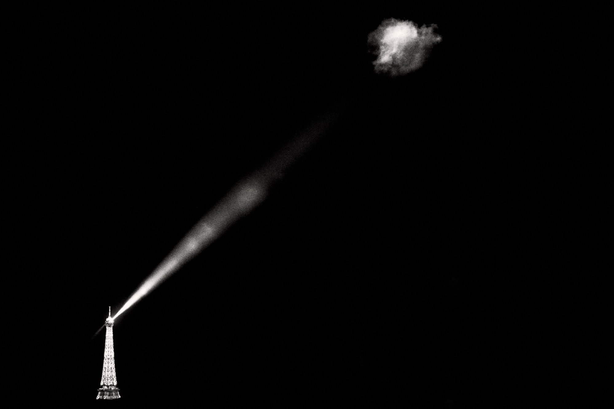Eiffel_Tower_BW